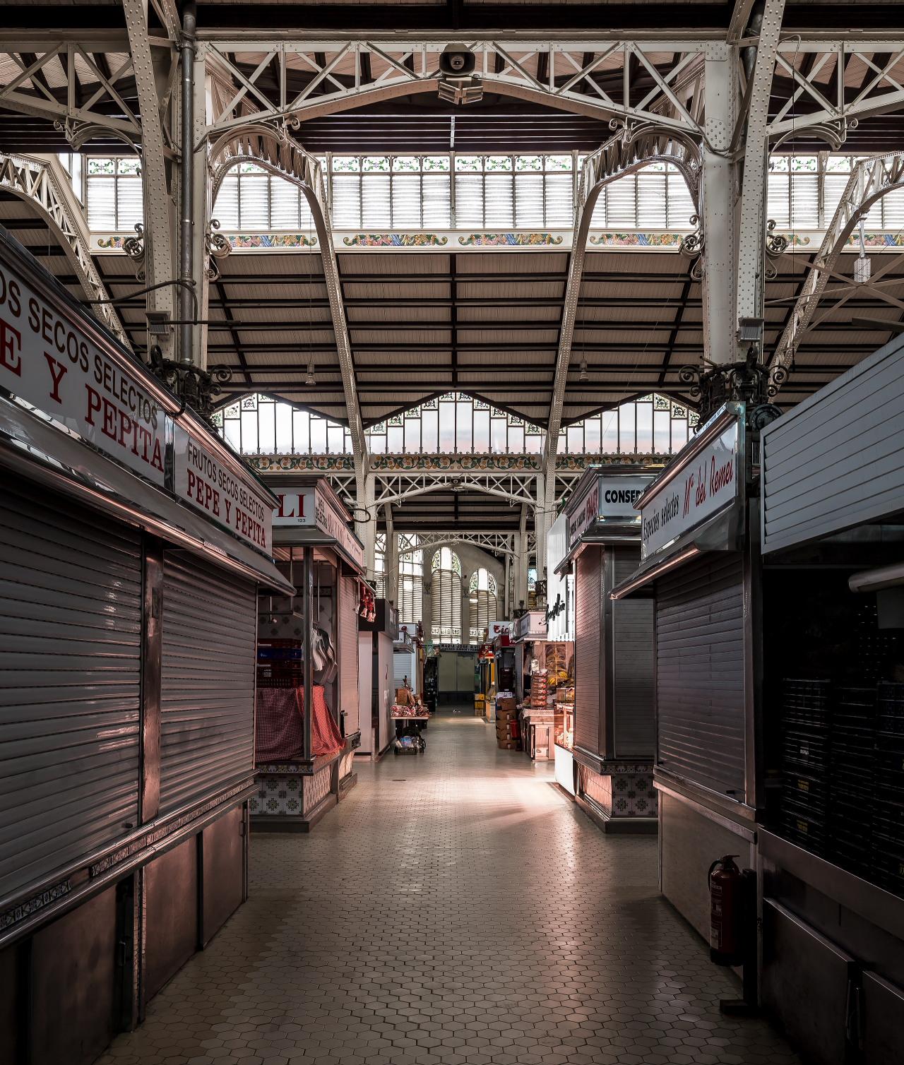 fotografia-arquitectura-valencia-german-cabo-lujan-mercado-central-jamones (1)