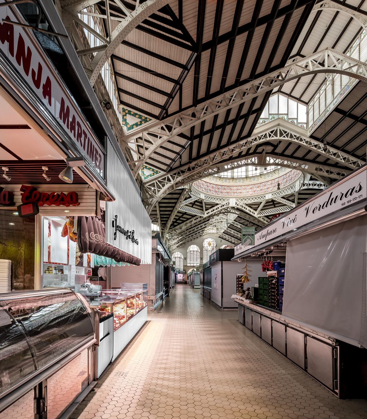 fotografia-arquitectura-valencia-german-cabo-lujan-mercado-central-jamones (9)