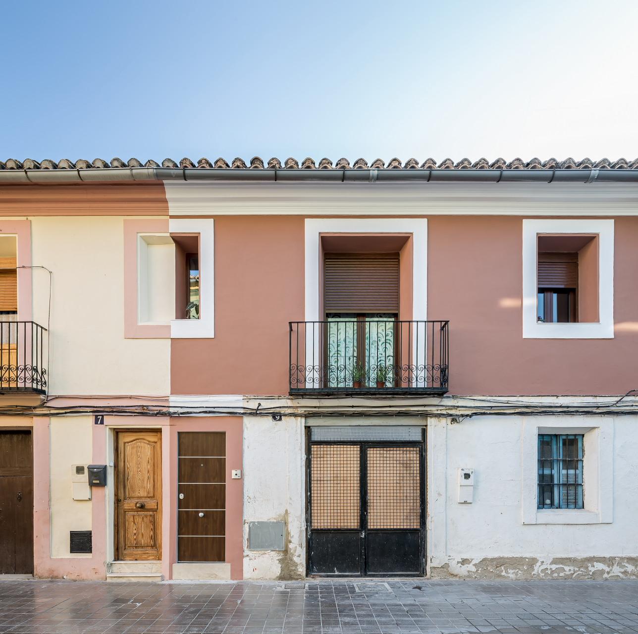 Casa de pueblo en valencia viraje arquitectura fotograf a for Fachadas de casas de pueblo