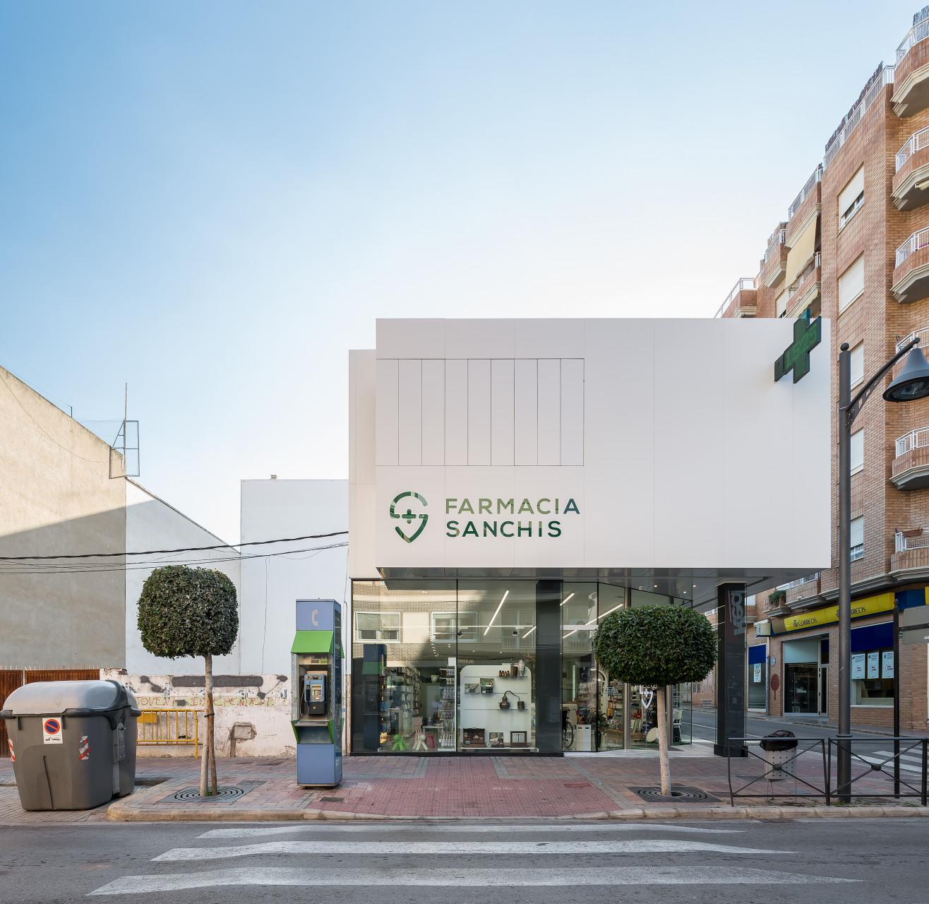 fotografia-arquitectura-valencia-german-cabo-d'estudio-farmacia-sanchis-ribarroja (1)