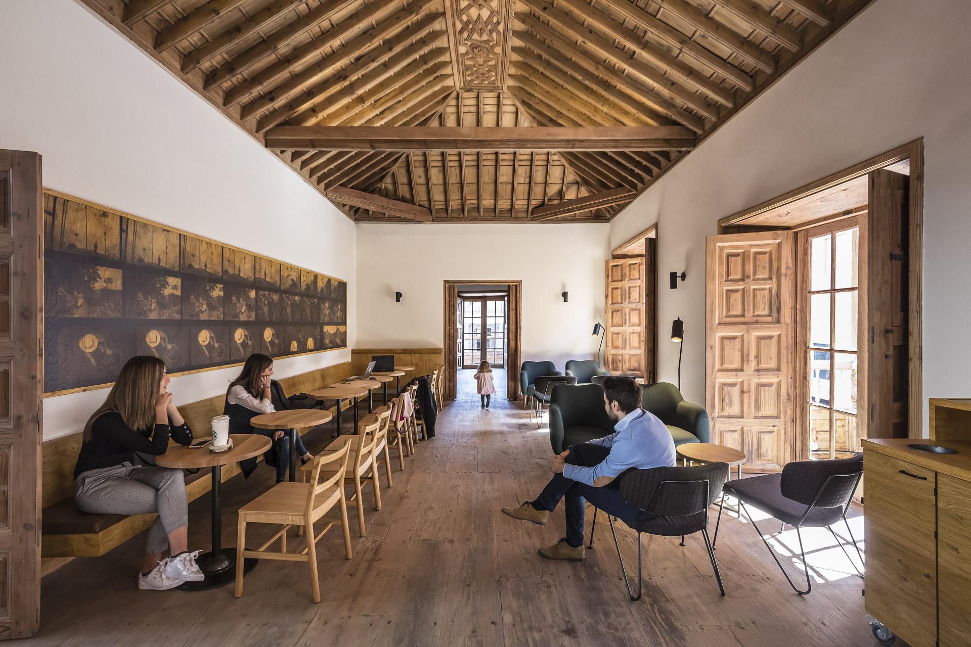 Starbucks Casa Miranda